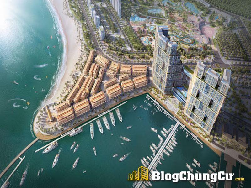 Sun Marina Town nằm cạnh bến du thuyền lộng lẫy