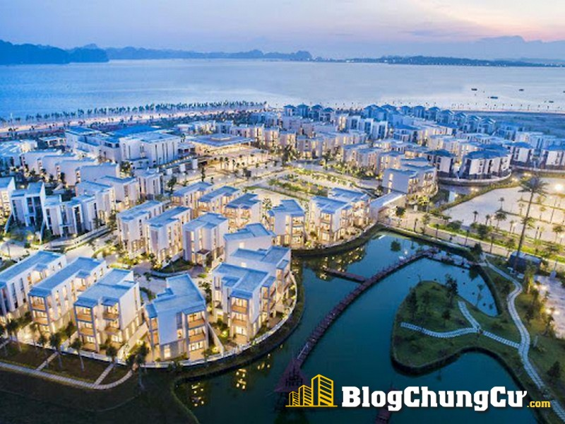 Sun Premier Village Hạ Long Bay nằm bên vịnh Hạ Long hùng vĩ