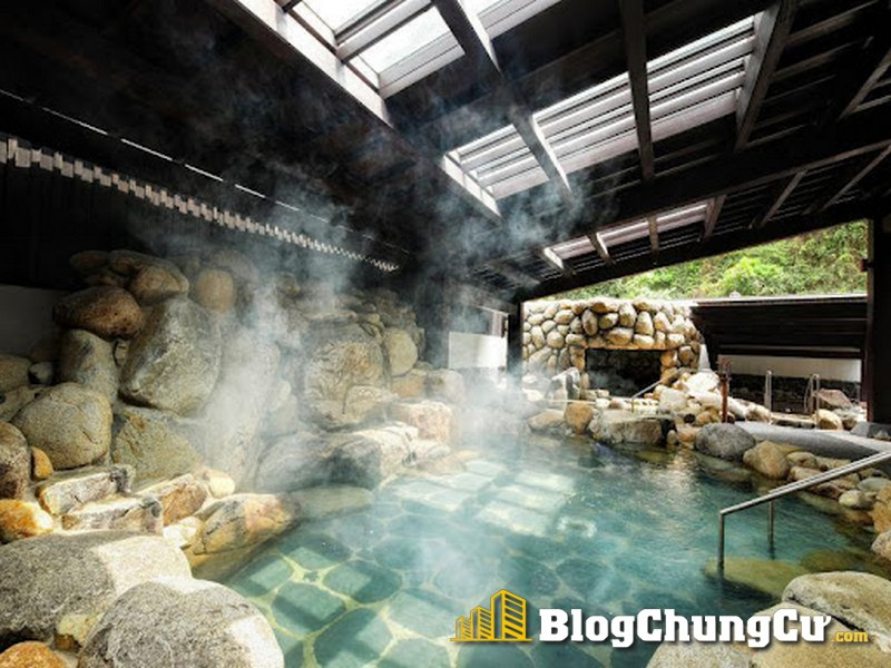 Tận hưởng dòng khoáng nóng giàu khoáng chất tại biệt thự Sun Onsen Village Limited Edition